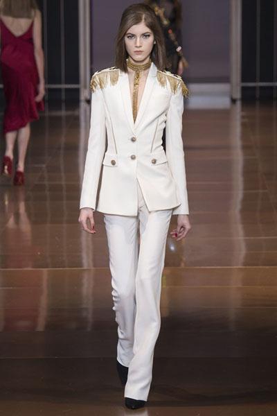 Versace-at-Milan-Fashion-Week-Fall-Winter-2014-15-12