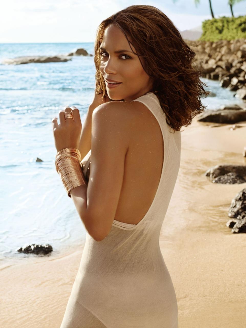 10-Beauty-Secrets-for-Women-from-the-Celebrities-2