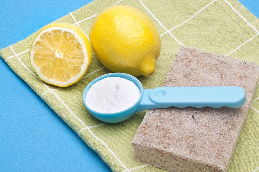 Natural-Teeth-Whitening-With-Baking-Soda-1