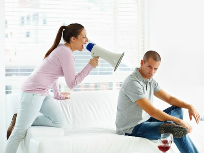 10-Women's-Habits-That-All-Men-Hate-1