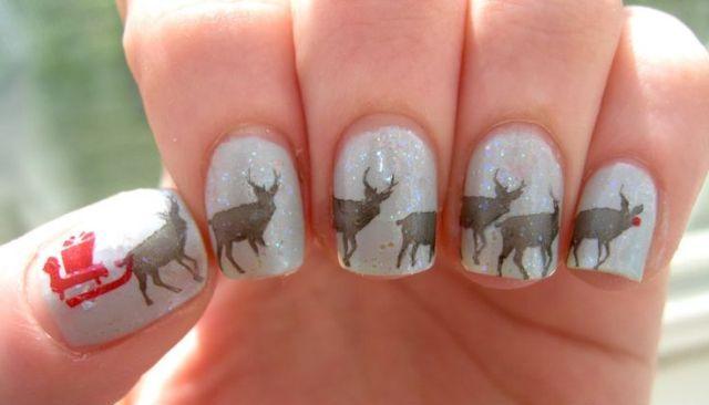 Christmas-Inspired-Nail-Art-1