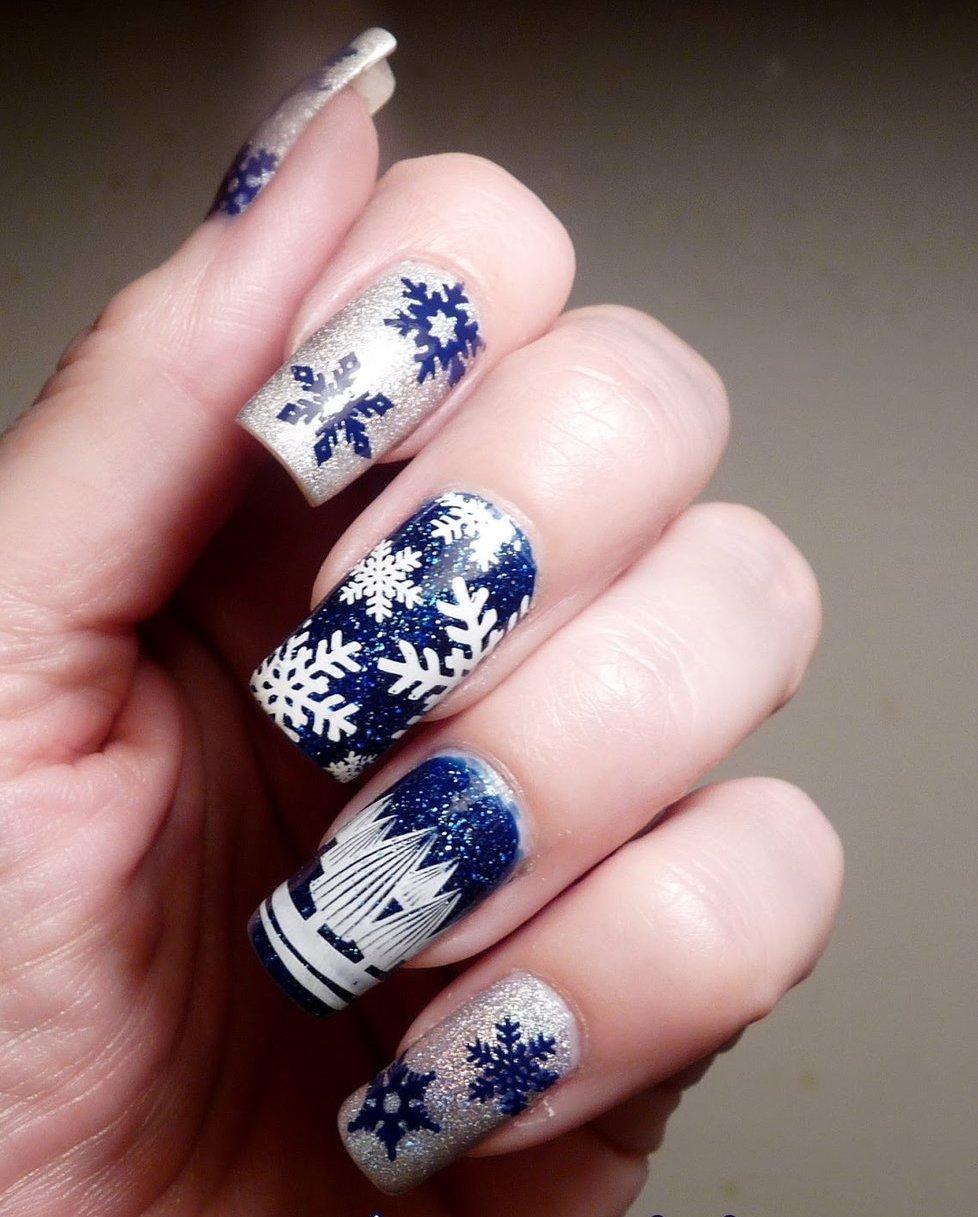 Christmas-Inspired-Nail-Art-7