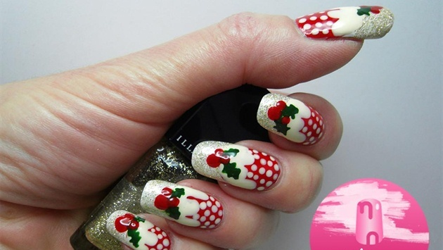 Christmas-Inspired-Nail-Art-9