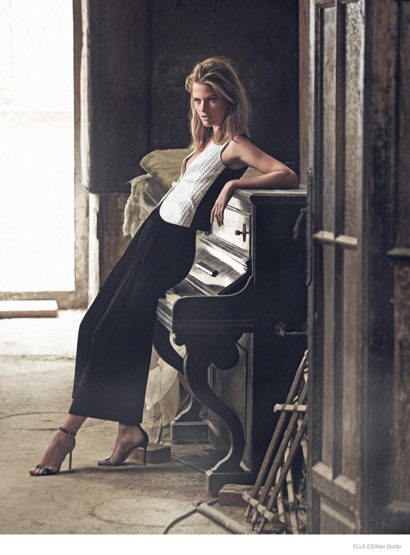 Elle-Spain-Present-Astonishing-Editorial-with-Michaela-Hlavackova-1