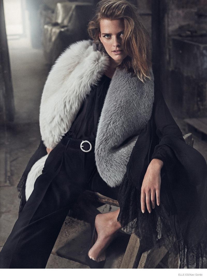 Elle-Spain-Present-Astonishing-Editorial-with-Michaela-Hlavackova-2