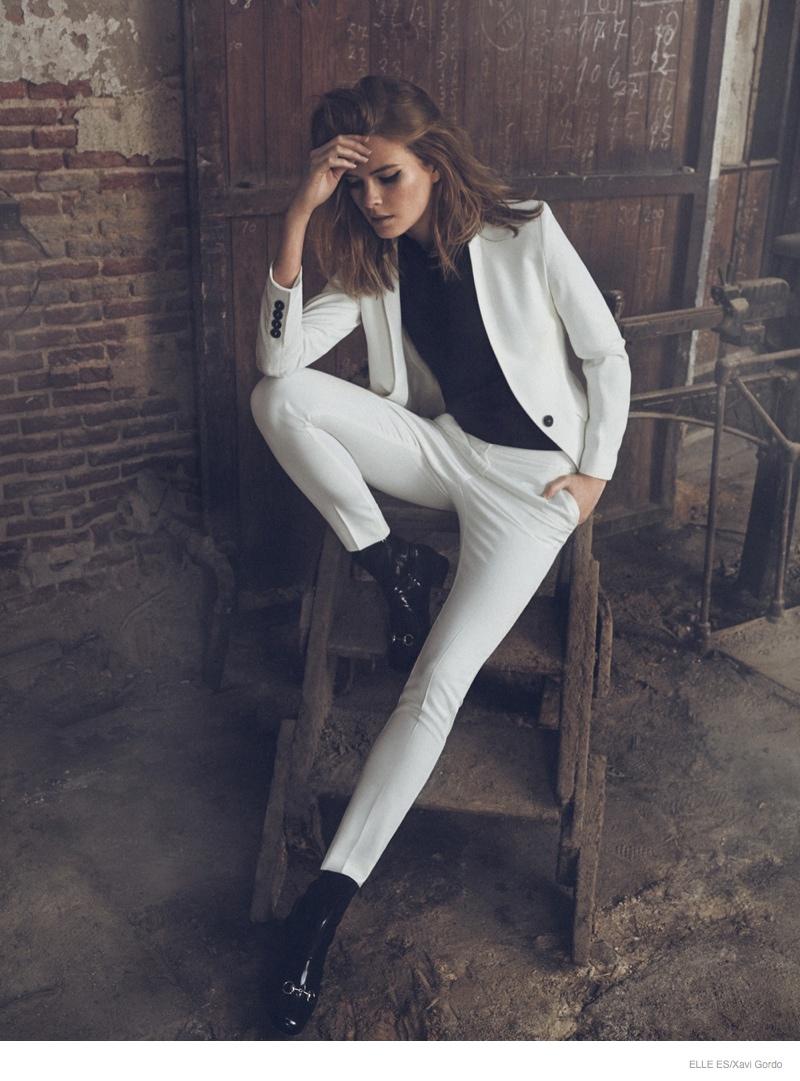 Elle-Spain-Present-Astonishing-Editorial-with-Michaela-Hlavackova-5