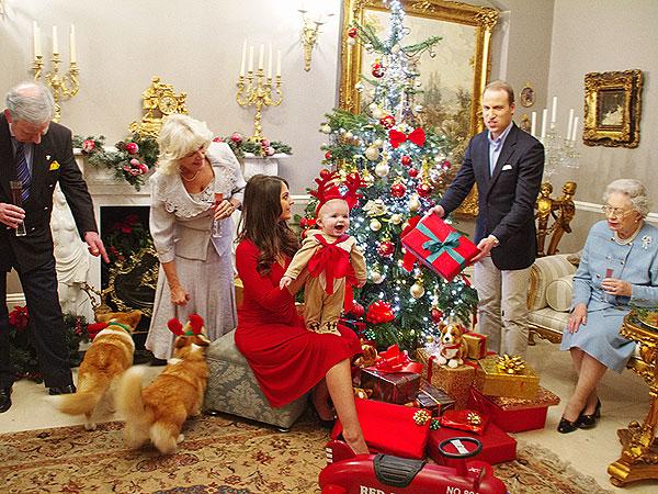 Prince George's Christmas Photo Shoot - Women Daily Magazine