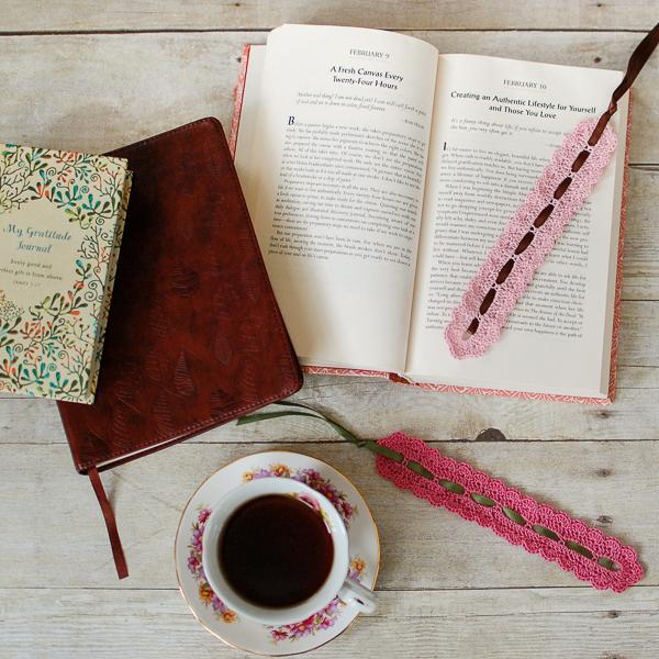 DIY-Creative-Bookmark-Ideas-4
