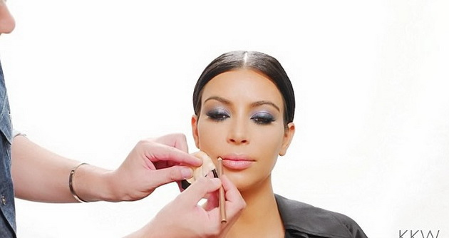 3-Simple-Steps-to-Get-Kim-Kardashian's-Full-and-Luscious-Lips-1