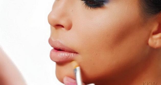 3-Simple-Steps-to-Get-Kim-Kardashian's-Full-and-Luscious-Lips-3